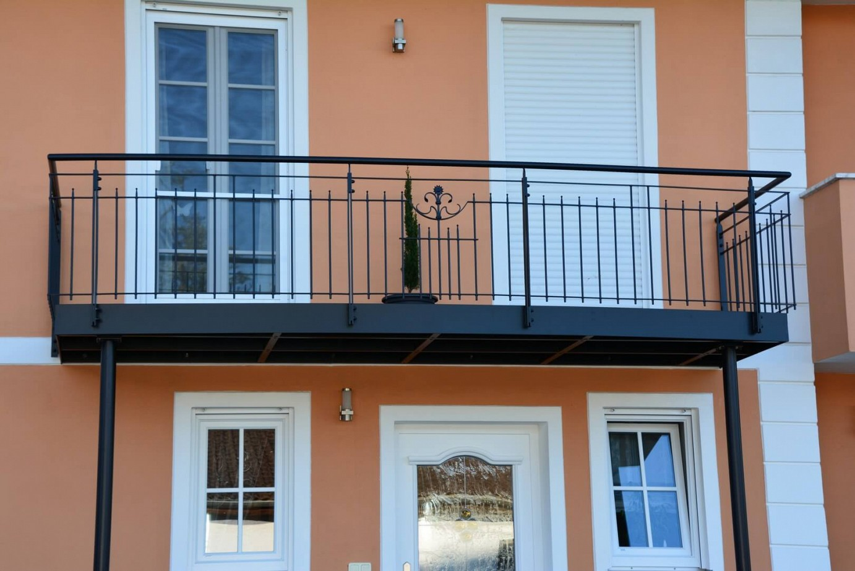 balkonanlagen treppen gel nder z une und tore aus edelstahl. Black Bedroom Furniture Sets. Home Design Ideas